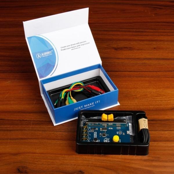بسته آموزشی برنامه نویسی، بسته ی باز شده ی کیت آموزشی برنامه نویسی picoboard، قدرت گرفته از آردوینو و اسکرچ